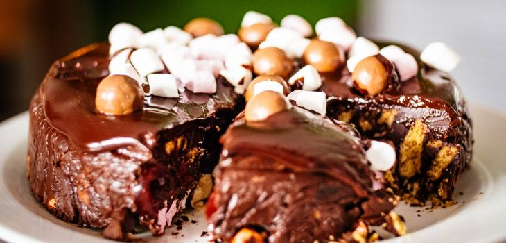 tempting unhealthy chocolate biscuit cake